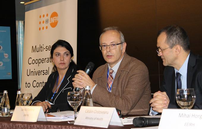 UNFPA Deputy Regional Director Ian McFarlane