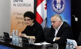 UNFPA Assistant Representative Lela Bakradze and Minister of Sport and Youth Levan Kipiani.
