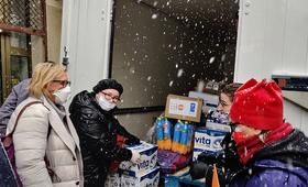 UNFPA staff loads supplies